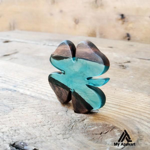 گردنبند چوبی و رزینی طرح شبدر