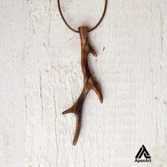 گردنبند چوبی طرح شاخ گوزن طرح پویان
