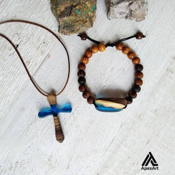 ست دستبند و گردنبند چوبی و رزینی طرح صلیب