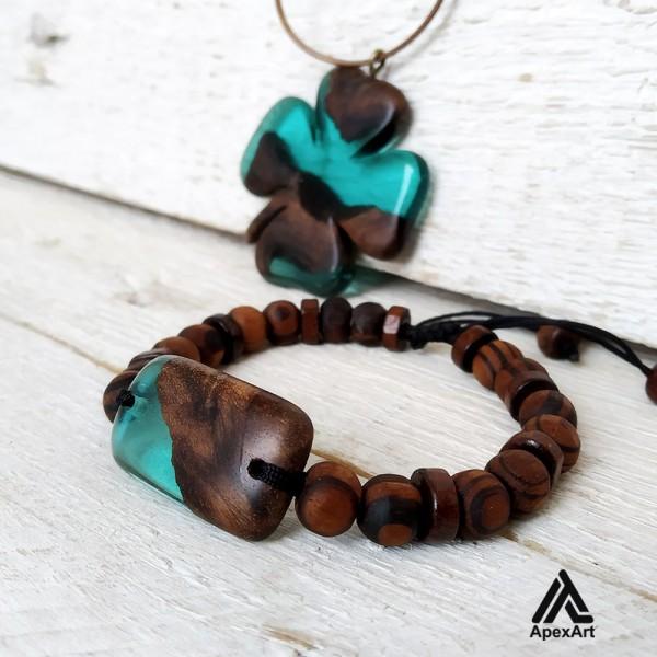 ست دستبند و گردنبند چوبی و رزینی طرح شبدر