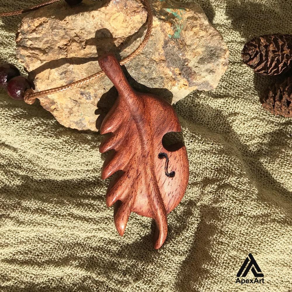 گردنبند چوبی طرح ویولنسل