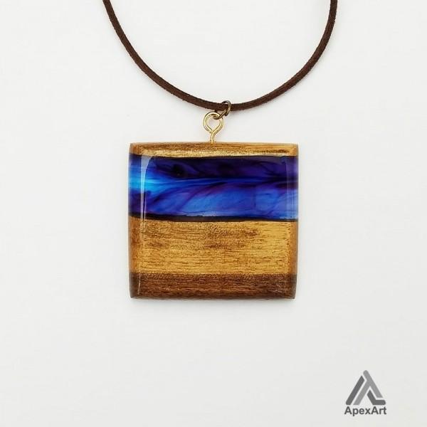 گردنبند چوب و رزین طرح آریا