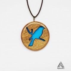 گردنبند چوب و رزین طرح قلب پرنده