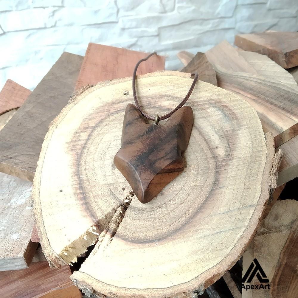 گردنبند چوبی سر گرگ